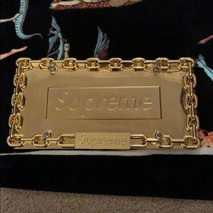 Supreme License plate
